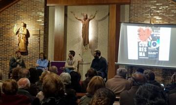 El segundo día Teresa Molina, Pilar Franco y Luis Egea respondieron a todas las preguntas que les hicimos acerca de su colaboración con voluntariados o trabajos en Cáritas.